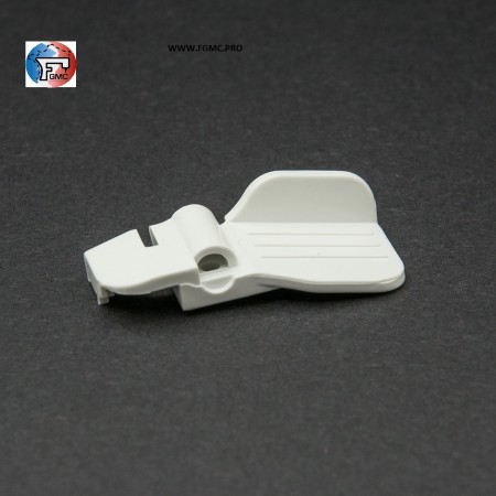 BASE    PLASTIQUE        ENFILEUR     MACHINE  A  COUDRE    REF 2106012